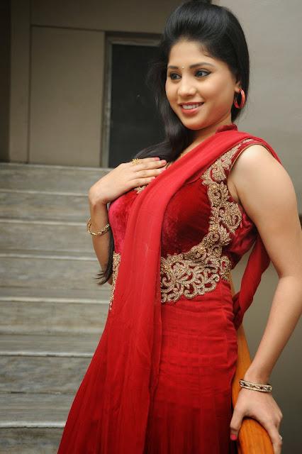 Ziya Khan Glamorous Photos in Red-HQ-Photo-13