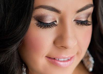 http://www.soloparagorditas.com/2014/10/maquillaje-de-noche-para-gorditas.html