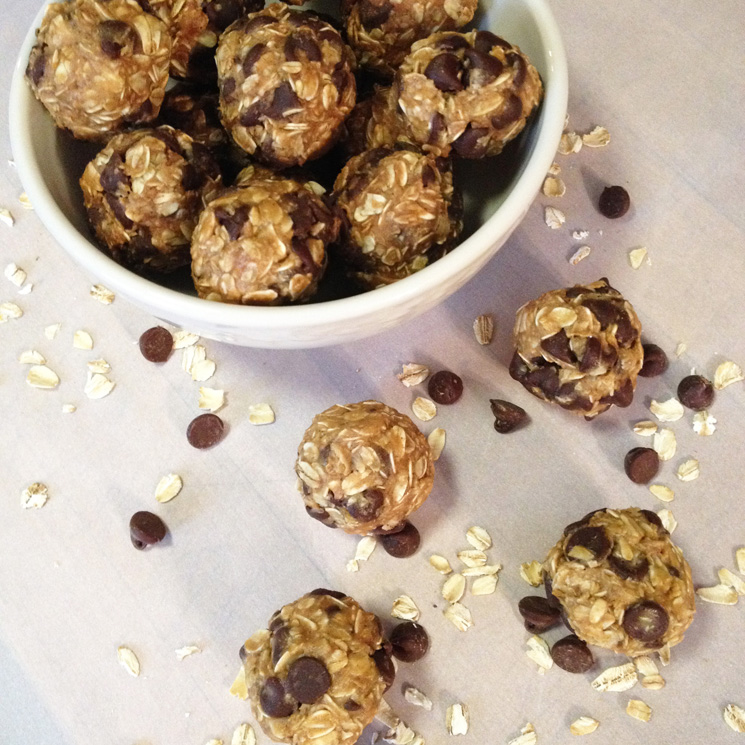 Peanut Butter Chocolate Chip Energy Bites #glutenfree #vegan - A Simpler Grace