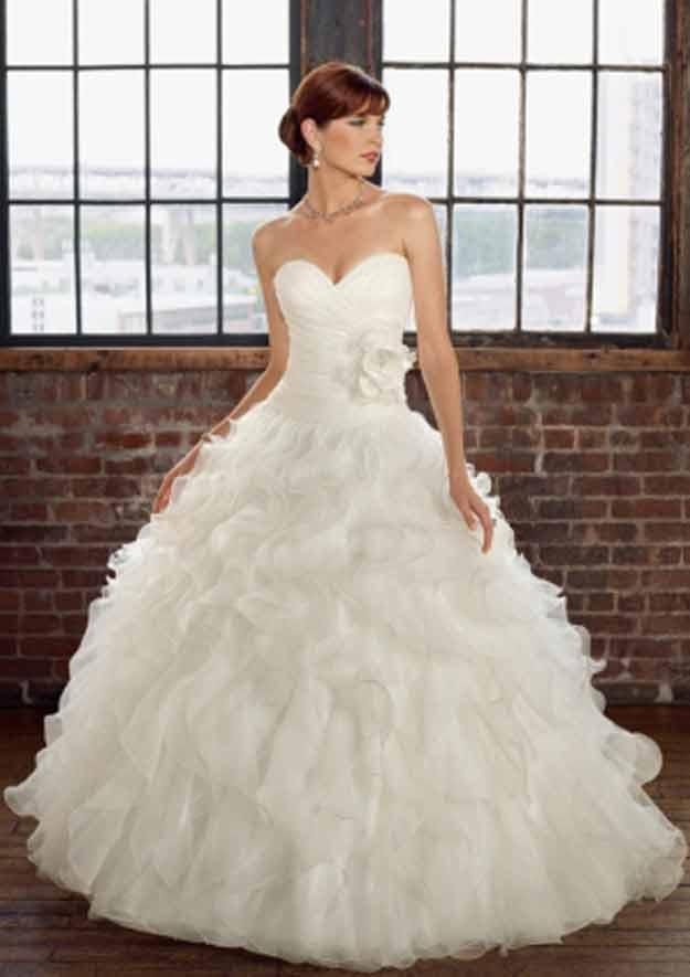 Traditional Wedding Dress  Wedding Decoration