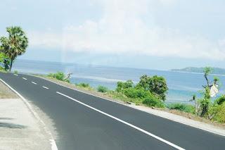 Jalan sekitar pantai Senggigi