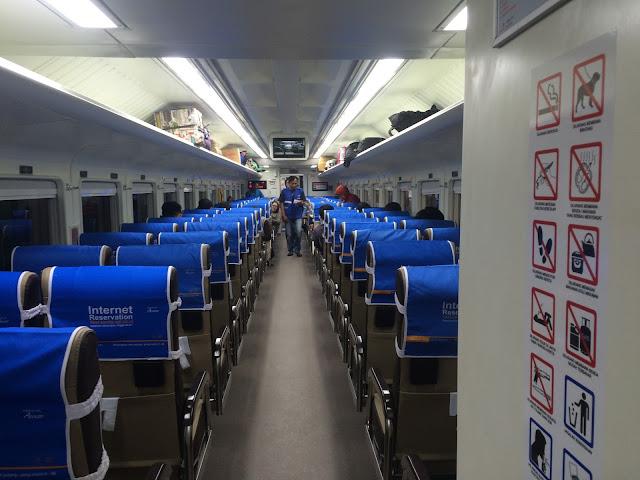 Menyusuri Gerbong Baru Kereta Api Mutiara Selatan Seat 2-2