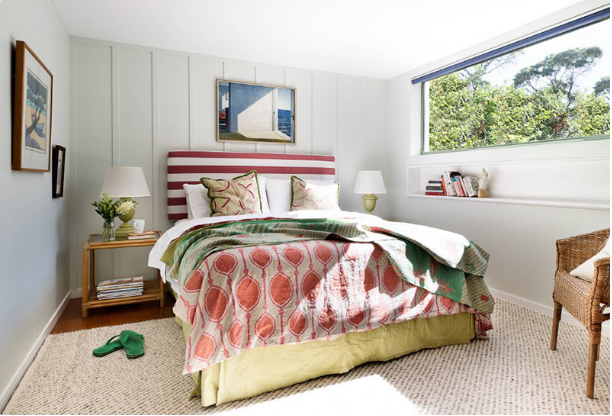 6 Red and Green Bedroom Accents For A Festive Feel