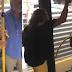 Θεσσαλονίκη: Γυναίκα βρίζει τους πάντες και ξεyuμνώνεται μέσα σε λεωφορείο