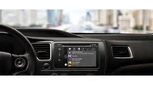 Apple CarPlay adalah suatu piranti seperti radio tape pada mobil tetapi ia bekerja lewat cara menyambungkannya ke iPhone Anda dengan ligthning konektor, hingga iPhone Anda bakal sembari terisi dayanya.