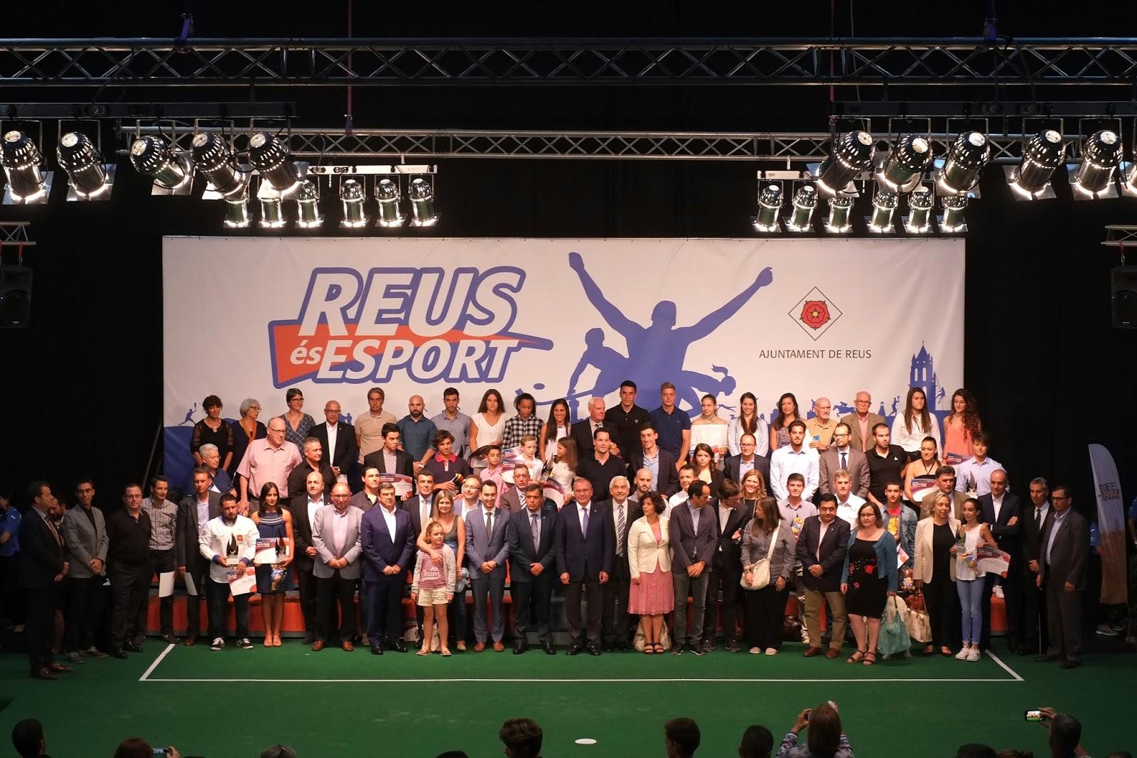 El blog de la cobla reus jove divendres 8 de setembre - Pavello olimpic reus ...