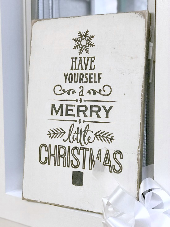 Rustic DIY Have yourself a merry little Christmas sign
