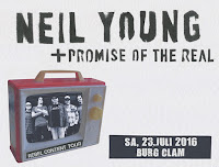 Neil Young Burg Clam 2016
