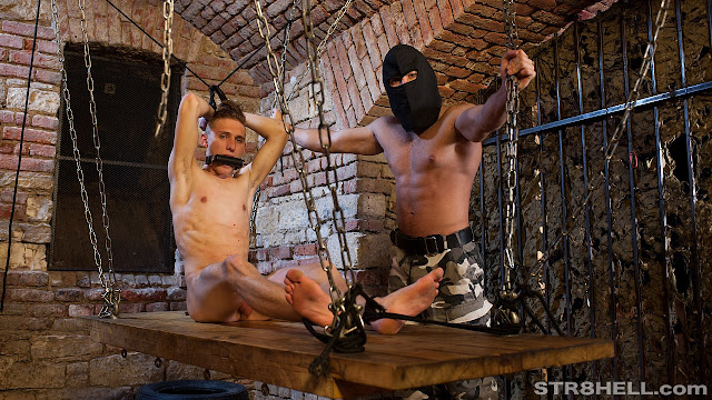 Str8hell - Leo & Alan RAW - Duty Bound