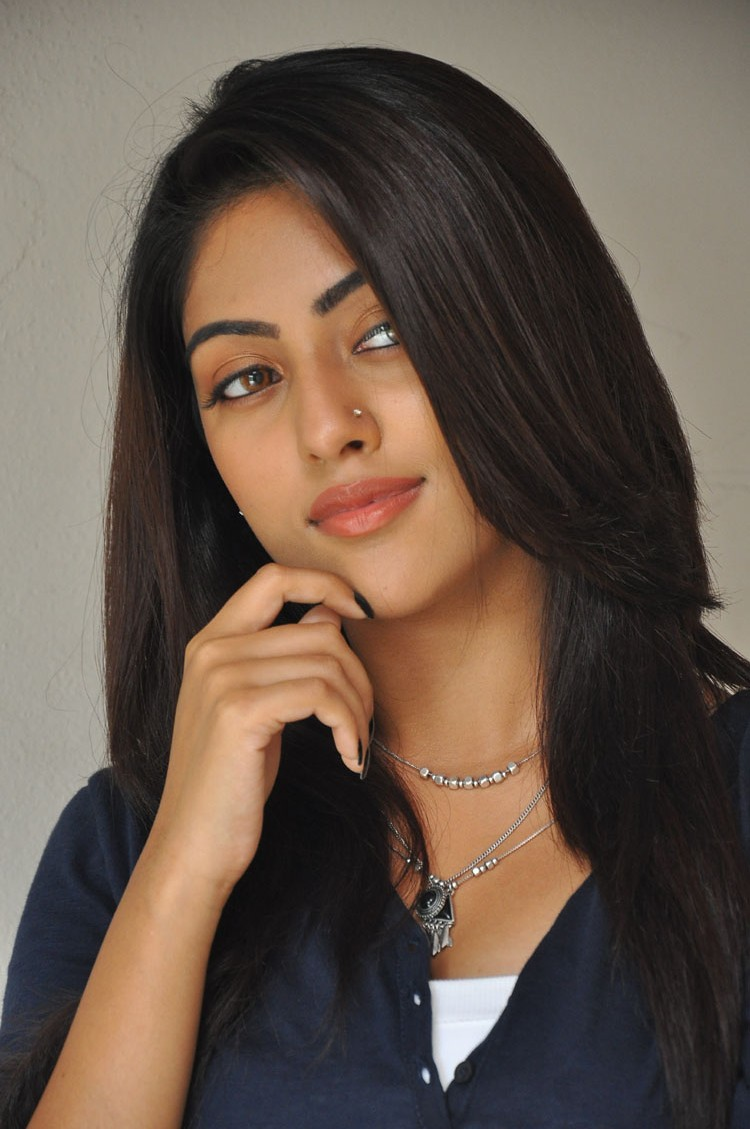 majnu telugu cinema actress anu emmanuel latest hd hot phto stills by indian girls whatsapp numbers