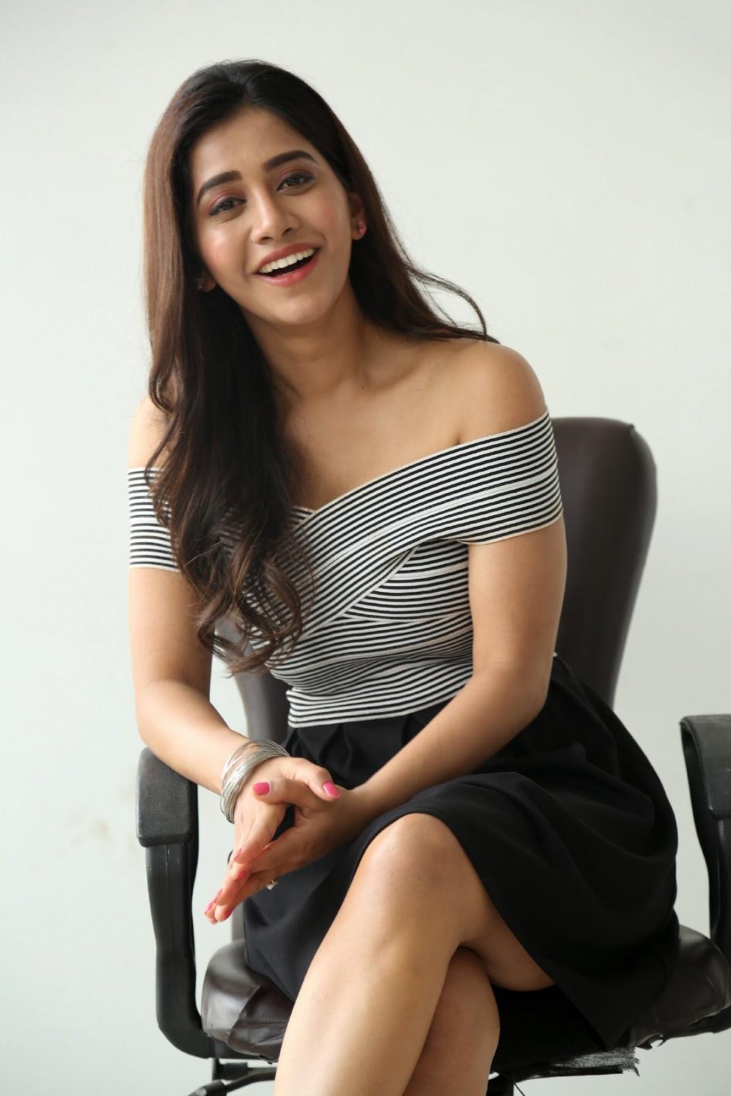 Nabha Natesh Beautiful Cute Eyes Stunning Pics