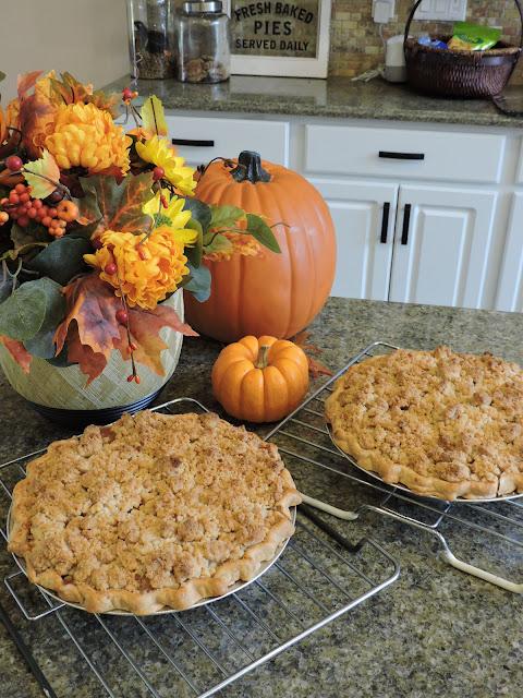 Adam's Dutch Crumb Apple Pie, Polish, Detroit, recipe