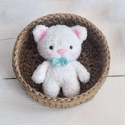 Вязаный котенок амигуруми