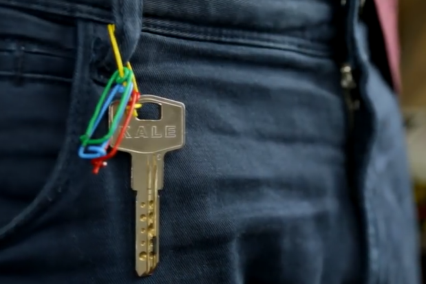 cara aman kunci dengan paper clips