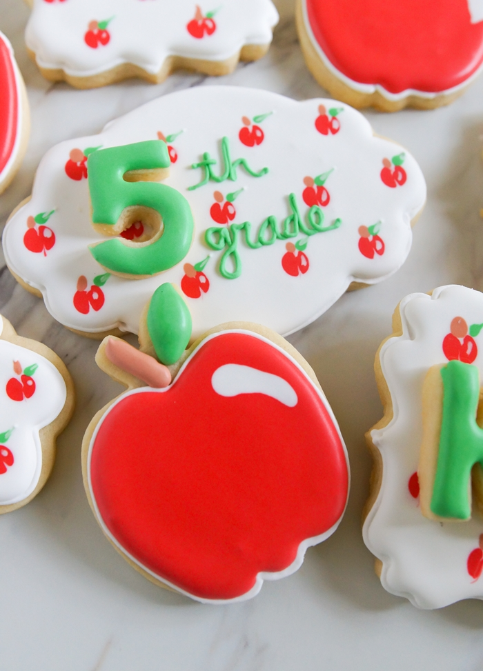 the CUTEST back-to-school apple cookies!