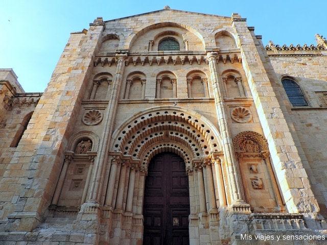 Portada del Obispo, Catedral de Zamora, Castilla y León