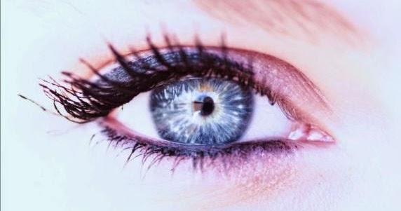 Get Longer Eyelashes Naturally