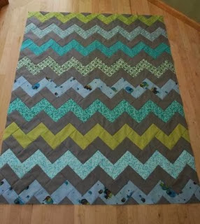 how to make a zig zag quilt (without piecing triangles!)