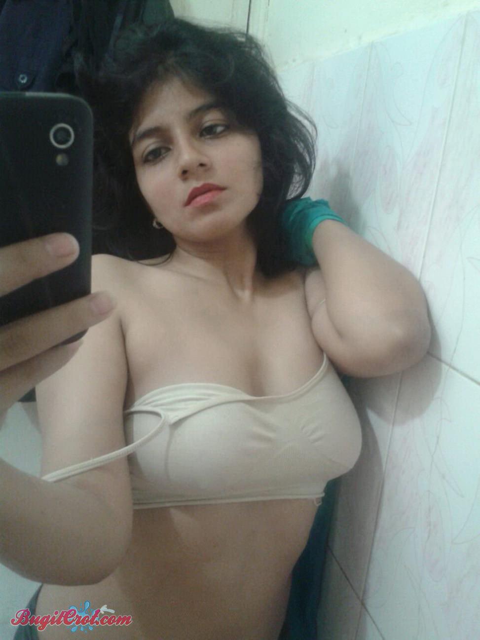 Foto selfie bugil cewek india cantik bahenol toket jumbo bikin ngiler