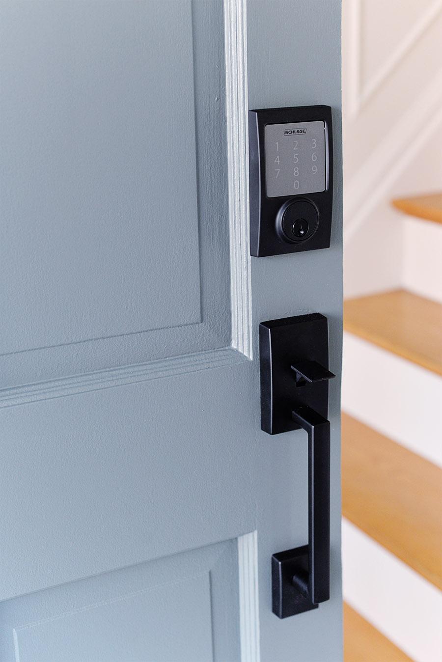 schlage sense smart lock, smart door lock, remote login lock, keypad door lock, smart lock iphone