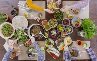 Ini Lho 10 Jenis Makanan Yang Seharusnya Dijauhi Waktu Buka Puasa serta Sahur