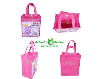 tas ultah anak murah, tas souvenir ultah hellokitty,tas ulang tahun anak,tas ultah custom, tas ultah murah,