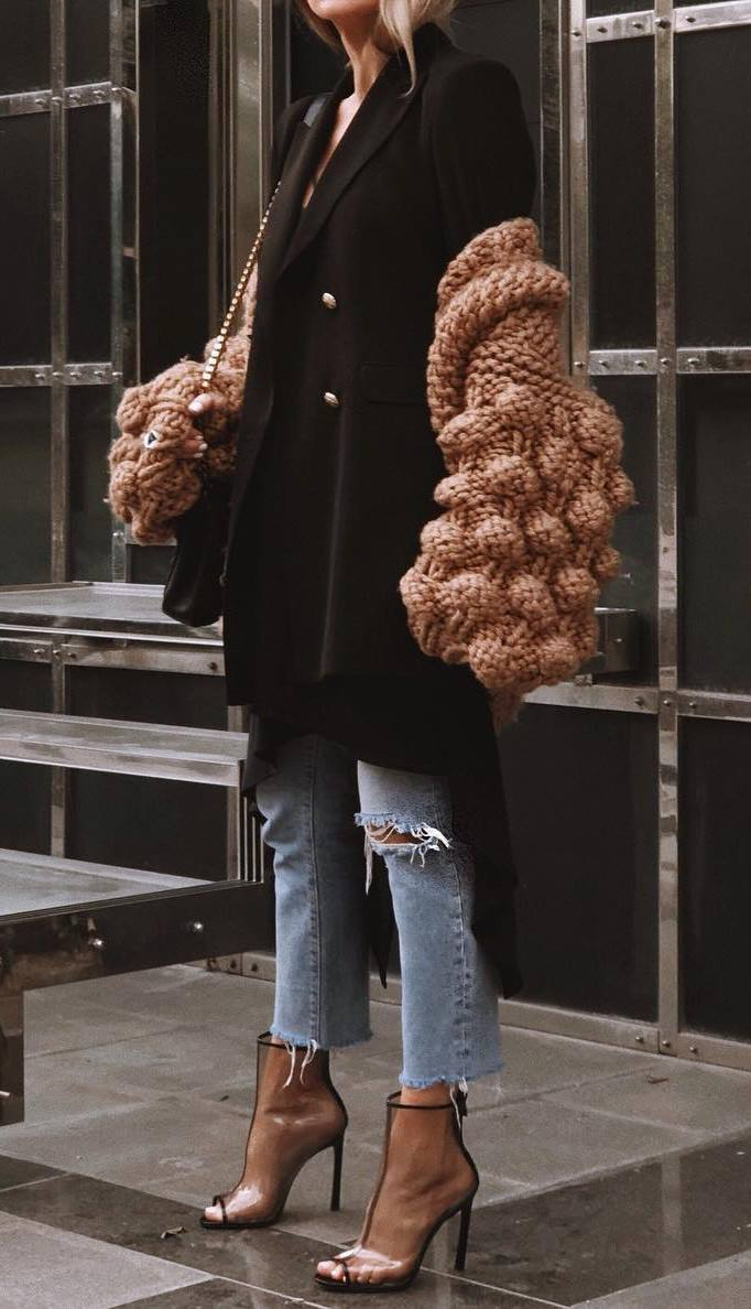 great fall outfit to copy rifht now : knit oversized cardi + black long blazer + jeans + bag + boots