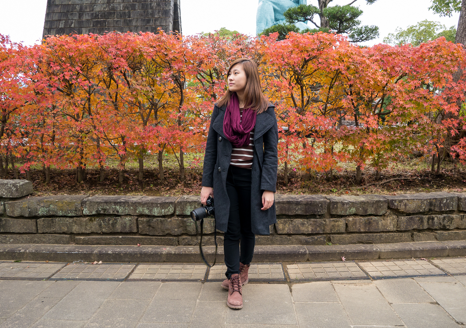 ootd autumn leaves in nagasaki peace park