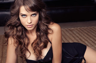 Lyndsey Fonseca, Celebrity Eye Colours