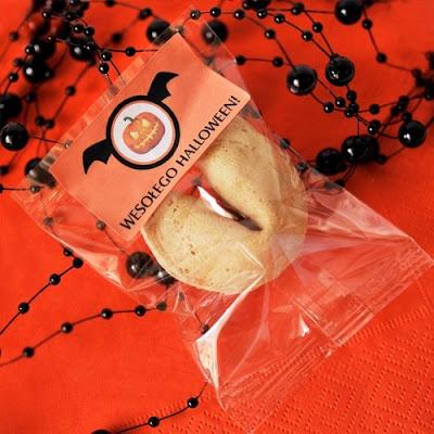 http://niebieskistolik.pl/halloween/1254-ciasteczko-dla-gosci-na-halloween.html