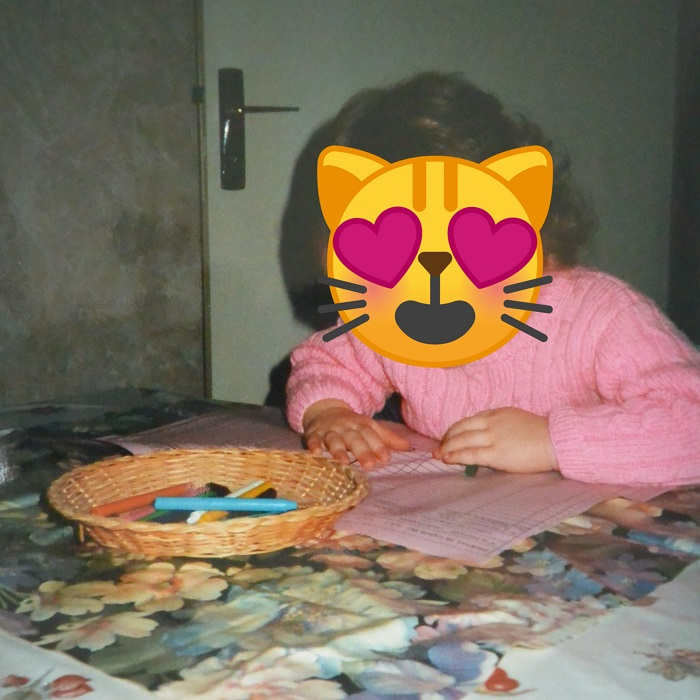 Pull rose avec torsades tricoté par ma Maman