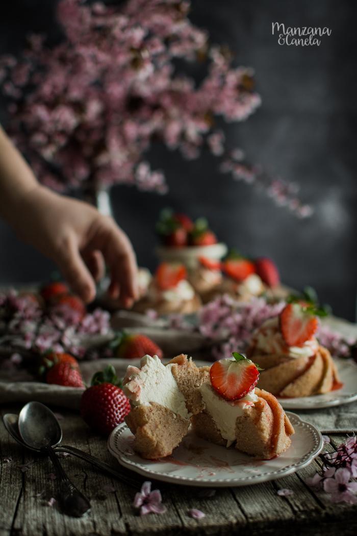 Bizcochitos de fresas con nata