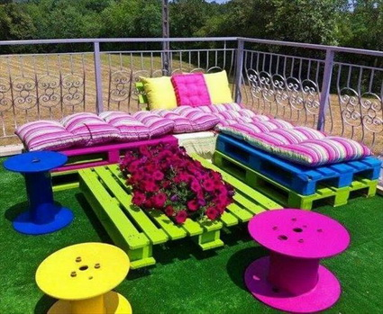 Outdoor Furniture Made With Pallets 2