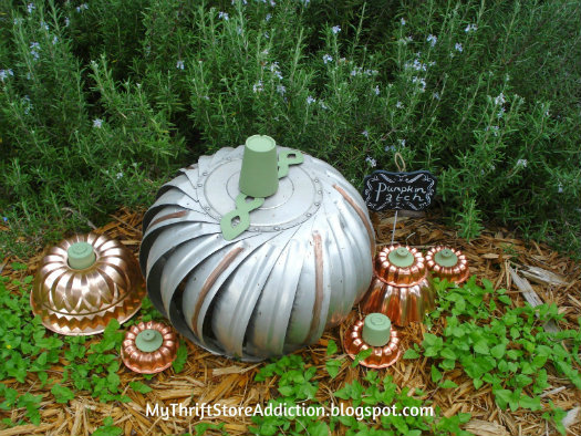 The 15 Minute Fix: Repurposed Vintage Jello Mold Beehive mythriftstoreaddiction.blogspot.com More vintage jello mold projects: Steampunk Inspired Pumpkin Patch