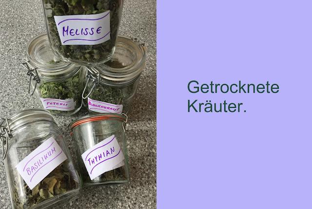Getrocknete Kräuter (Thymian, Melisse, Bohnenkraut, Basilikum)