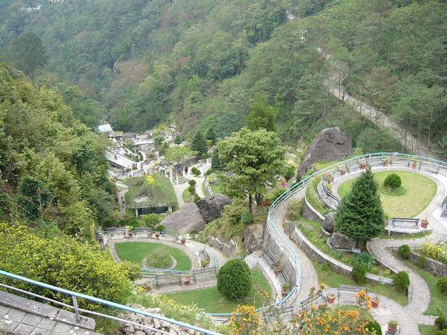 5-Rock-Garden-Darjeeling