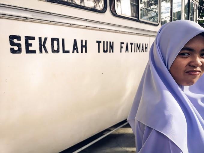 Hanis Ke Sekolah Tun Fatimah
