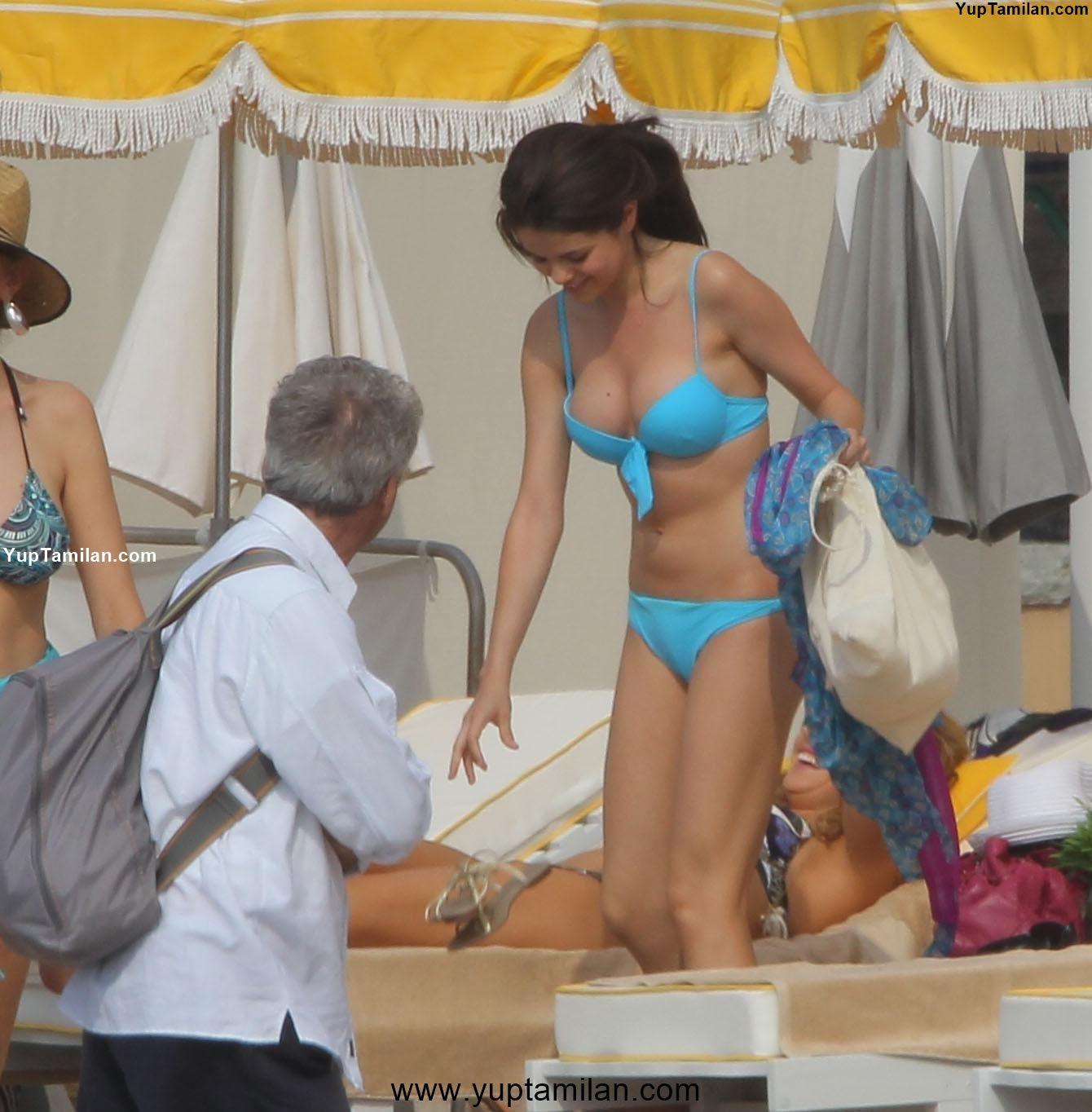 Selena Gomez Sexy Swimwear, Lingrie Images