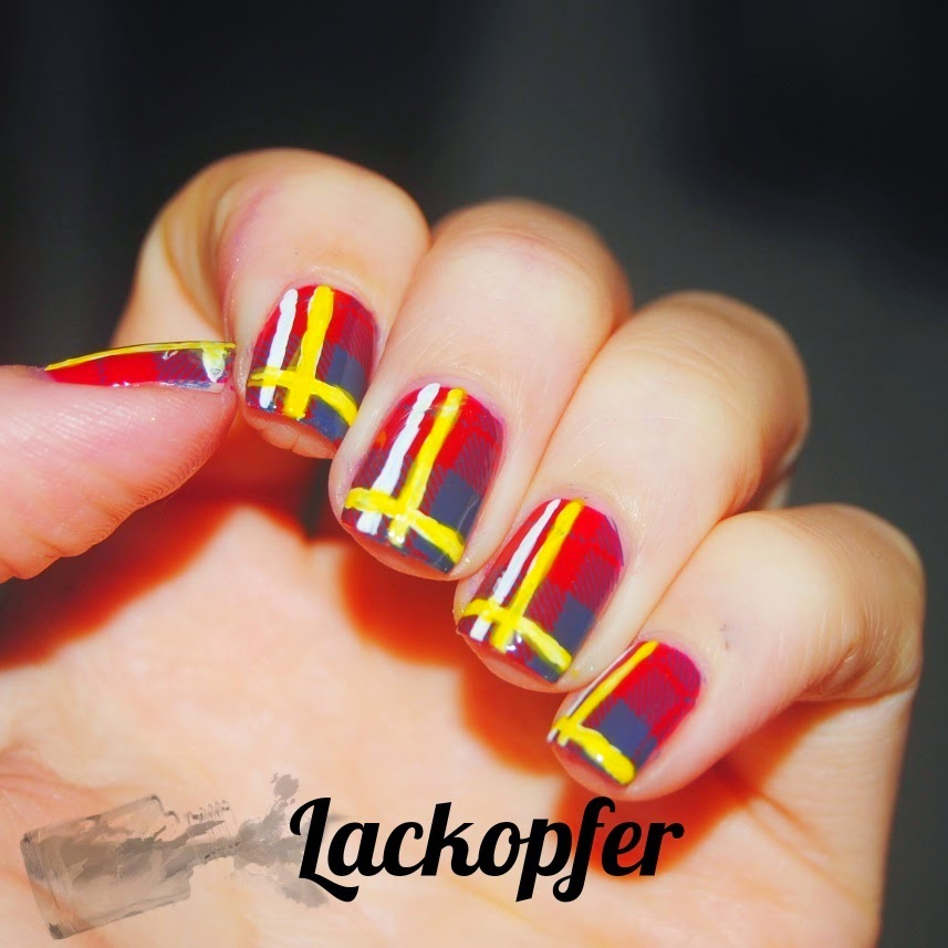 http://rainpow-nails.blogspot.de/2014/11/inspired-by-fabric-der-zara-schal.html