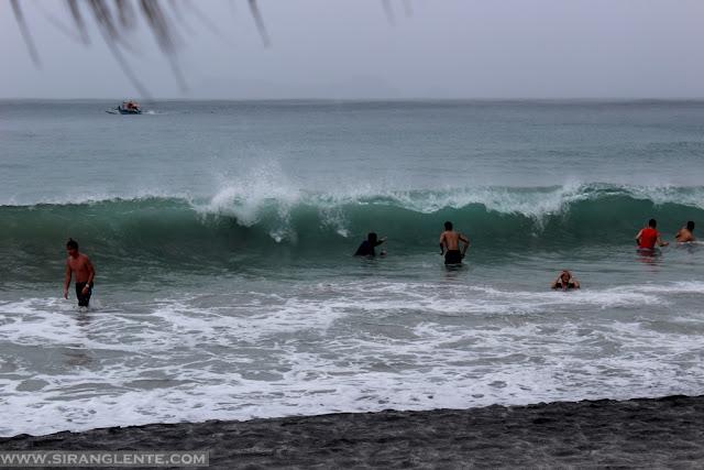 surfing spots in zambales