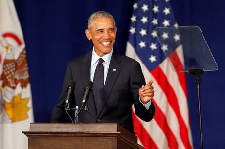 Obama volta à vida política