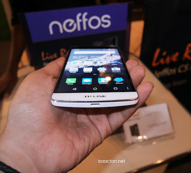 Neffos C5 Live Fun - Substantial smartphone in the hand