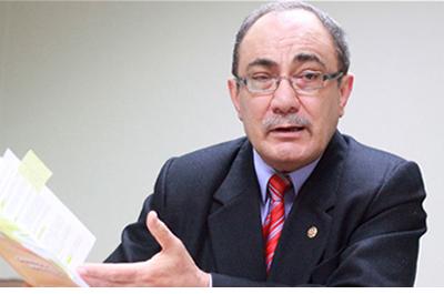 Ministro Vexler reconoce que hay sueldazos en el Minedu