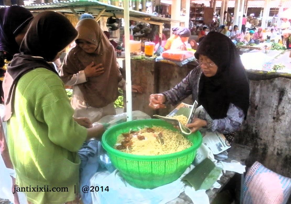 Pasar tradisional Nanggulan Kulon Progo
