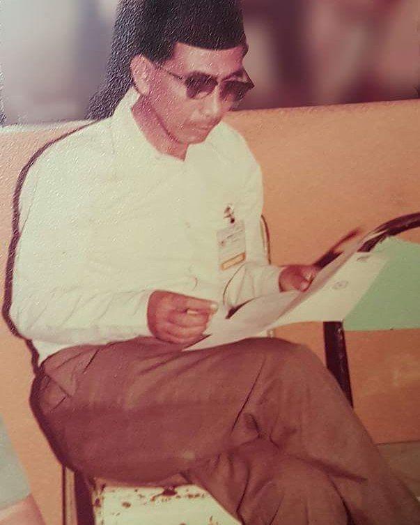 Foto-foto Mbah Maimoen di masa mudanya;
