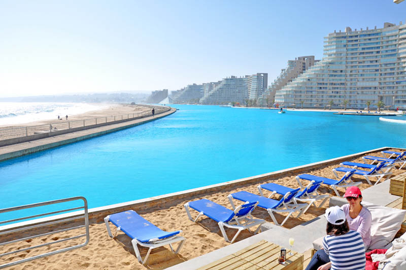 World 39 s largest swimming pool chile dreams destinations - The biggest swimming pool in chile ...