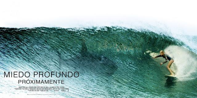 Nuevo póster internacional de 'Infierno Azul' con una surfera Blake Lively