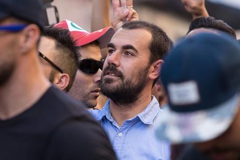 الزفزافي يطالب بمواجهة المفسدين لتحويل المغرب إلى سويسرا