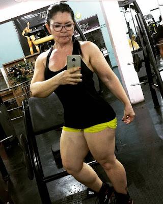 Wow..!!! Nenek Ini Punya Badan Berotot dan Atletis.. Jadi Viral