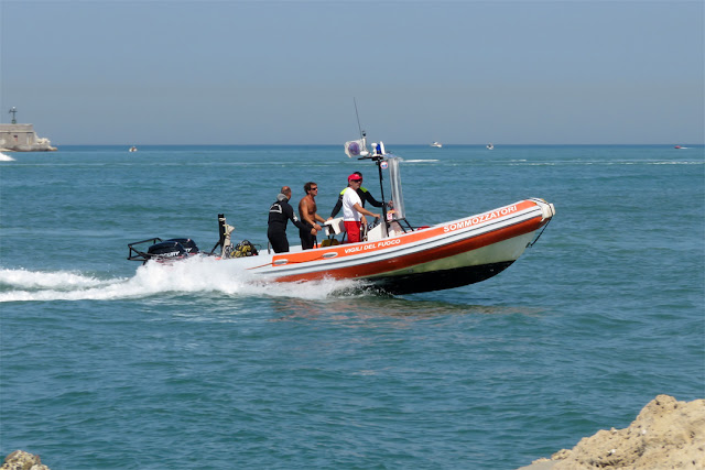 A motor boat of the divers of the Vigili del Fuoco (Fire Brigade, port of Livorno